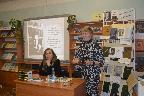 Н. А. Слепухина и В. Н.Чиченкована встрече с читателями в модельной Кобринской сельской библиотеке Гатчинского муниципального района.