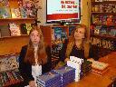 Слева-направо: Ксения Валентиненко и Наталья Слепухина. 11 ноября 2016 года.